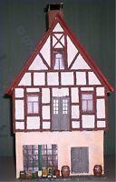 77501C Fachwerkhaus 2stöckig mit Gemüsegeschäft, Spur G (LGB), GMK World