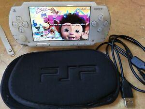 CONSOLE SONY PSP avec 15 jeux