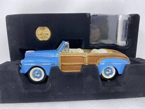 1/18 Road Signature 1948 Ford  Sportsman Woody Blue # 20048 Read Me