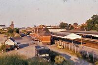 PHOTO  VIEW OF NEWBURY RAILWAY STATION 1975