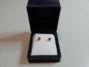 Genuine Green sapphire sterling silver stud earrings - stamped 925 - weighs 1gm