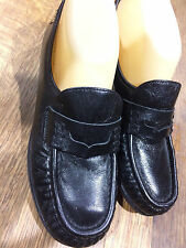 SAS Black Leather Loafers Geniune Handsewn in USA 7.5N