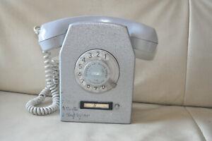 Altes DDR Telefon RFT Betreibstelefon aus Metall