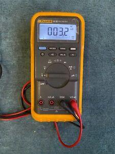 Fluke 83-III Digital Multimeter