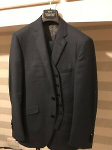 Bespoke Ermenegildo Zegna s160 Navy Birdseye Three Piece Suit size 38S.