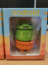 SDCC 2019 Spike Android Mini Collectible Dumbrella Figure In Hand Signed