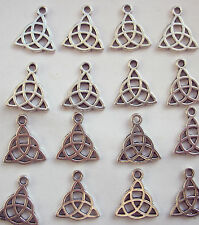 10 Triquetra Celta triángulo encantos De Metal Plateado