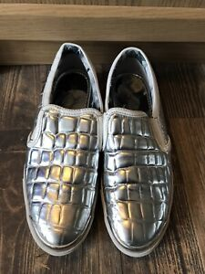 STUNNING AND GENUINE LADIES TED BAKER SILVER FLAT PUMPS IN SIZE 5