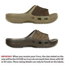 Calzado de hombre sandalias Crocs color principal marrón