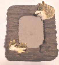Wolf / Wolves Resin 3D Picture Frame Fold Out Stand Holds 5 X 3 1/2 Inch Picture