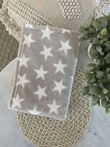 Blanket Baby Kid Child Nursery Pram Cot Soft Microplush Grey Stars Polyester