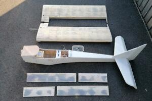 Radio controlled model aircraft (Glider tug)