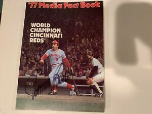 Cincinnati Reds 1977 Big Red Machine Media Fact Book Autographed  SIGNED NICE