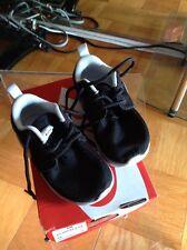 Nike Rosherun . (Ps/Td) 6C Black / White 645778 007