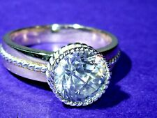 9CT GOLD RING WITH STUNNING 2CT DOUBLE ROSE CUT TOP RUSSIAN CUBIC ZIRCONIUM