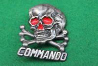 Insigne Tête de Mort Commando (Rouge) ( Hauteur:4.5 cm )