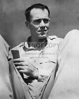 HENRY FONDA NAVY LIEUTENANT RELAXING IN THE SOUTH PACIFIC - 8X10 PHOTO (ZZ-308)