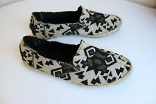 unknown brand Aztec shoes hand made in Thailand in size UK4 eur 37 very light
