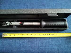 Black//Silver Hazet 6123-1CT 60-320 N m Torque Wrench