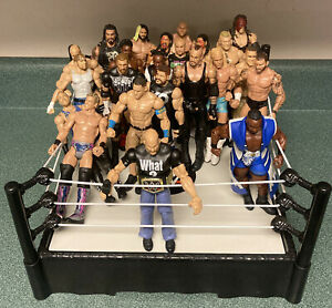 2010 RAW Wrestling Ring & Lot Of 24 Mattel Figures Spring Loaded Mat Ropes WWE