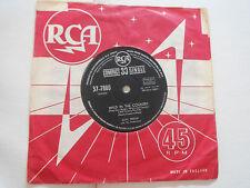 1961 SINGLE ELVIS PRESLEY WILD IN THE COUNTRY SPAIN SPANSIH 33 RPM 37-7880