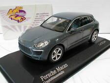 "Minichamps 410062602 # Porsche Macan Baujahr 2013 in "" grau-metallic "" 1:43"
