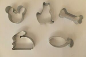 325: PMI-17 * MINI COOKIE CUTTER *  different designs to choose from