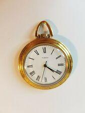 Reloj de bolsillo Reloj Timex enfrentó abierto. movimiento mecánico.
