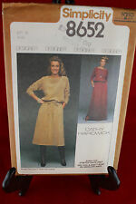 Simplicity 8652 Size 12 Clothing Pattern