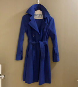 Trina Turk royal blue bwlted jacket SZ Small