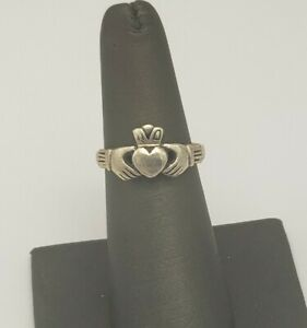 VINTAGE STERLING SILVER CLADDAGH RING SIZE 6.75