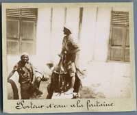 Tunisie, Porteur d'eau à la fontaine  Vintage citrate print. Photo J. Bougr