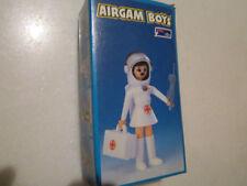 TG Airgam Boys Pyro Plast Toys enfermera del espacio griega Rara MIP D