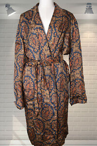 WOUNDED 1960s Gents Paisley Dressing Gown Robe Smoking Jacket - NEEDS TLC - MED