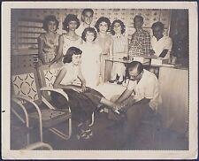 large vintage photo footwear shoes shop Cuba foot fetishism pied foto ca 1955