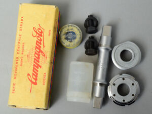 CAMPAGNOLO Nuovo Record Bottom Bracket. NEW NOS. English. 68-SS. 114.5 Boxed