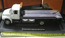 JADA 1/24 International Durastar 4400 Flatbed Tow Truck Wrecker - White Cab