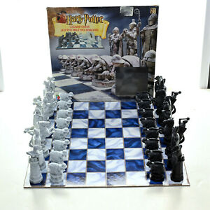 Harry Potter Wizard Chess Set Board Game Mattel 2002 Complete in Good Condition