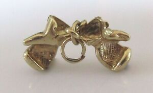 9ct Gold Pendant - 9ct Yellow Gold Double Boxing Glove Pendant