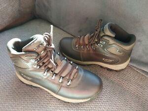 Hi tec dri Tec waterproof dark brown walking boots size 5 very good condition
