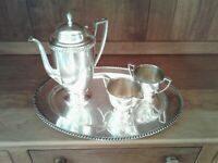 VINTAGE Wm. Rogers Silverplate Tea or Coffee Service w/tray. Avon Pattern.