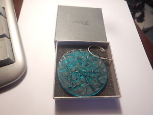 2 1/2 inch Lalique blue glass Christmas ornament in box old estate