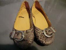 Grey snakeskin pattern shoes size 5