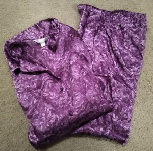 Women's Cacique Sleepwear Plus Size 26/28 Purple Floral Pajama Set Free Ship