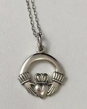 """Vintage Sterling Silver Irish Claddagh Hand Heart Crown Pendant Necklace 18"""""""