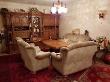 Schrankwand Wohnzimmer- Eiche rustikal mit Schnitzarbeiten