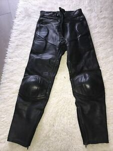 LEATHER MOTORCYCLE  TROUSERS  32 WAIST  28 INSIDE LEG ASHMAN GREAT CONDITION