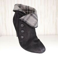 Bakers Black Faux Suede Ankle Boots Size 7.5 Womens Booties Gray Plaid Cosplay