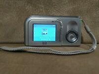 HP PhotoSmart E327 5.0 MP Digital Camera SNPRB-0501 Silver Tested Works