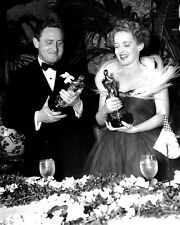 SPENCER TRACY & BETTE DAVIS @ 1939 ACADEMY AWARDS - 8X10 PUBLICITY PHOTO (AZ772)